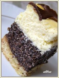 Cheesecake with layer of poppy seeds Polish Desserts, Polish Recipes, Cookie Desserts, Polish Food, Baking Recipes, Cake Recipes, Dessert Recipes, Other Recipes, Sweet Recipes