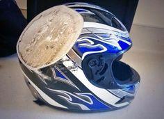 時速100キロで事故ったヘルメットはこんなになる