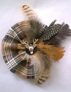 Items similar to Feather brooch country brooch Scottish Brooch Tartan Corsage Camel Stewart Fringe Mixed Feather Stag Centre on Etsy Felt Crafts, Fabric Crafts, Sewing Crafts, Fabric Flower Brooch, Fabric Flowers, I Love Jewelry, Jewelry Making, Tartan Fashion, Scottish Fashion