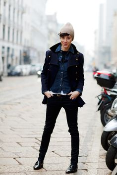 Some fashion inspiration for the day from The Sartorialist. I don't wear hats or shiny shoes but I still think the outfit is lovely- particularly the jacket and the blue ring.