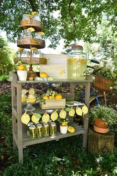 Lemonade stand fun for easy breezy summer entertaining! Pink Lemonade Cupcakes, Lemonade Bar, Lemonade Stands, Lemonade Stand Wedding, Lemon Party, Dried Lemon, Taco Bar, Drink Table, Graduation Party Decor