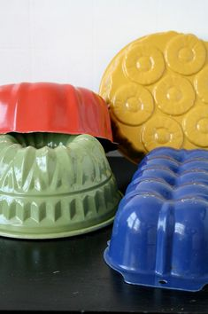 collection of bundt cake pans on Etsy $42