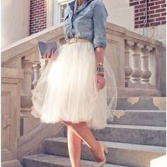 I want this whole outfit. #jeanshirt #skirt #shoes