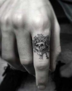 flowerry-tattoo-on-the-finger