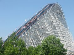Ride comfortably the American Eagle at Six Flags Great America