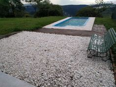 Terraza de piedritas de mármol partido.