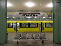 https://flic.kr/p/bw71q6 | Berlin - U-Bahnhof Alexanderplatz - Bahnsteig der U5