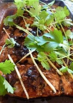 Ingredients 600 grams of salmon filet (cut into serving slices) 2 tablespoons of sake 2 tablespoons of garlic black bean sauce 1 tablespoon of lemon juice 1 teaspoon of brown sugar 1 tablespoon of fish sauce 1 teaspoon of minced ginger root slices lemon...