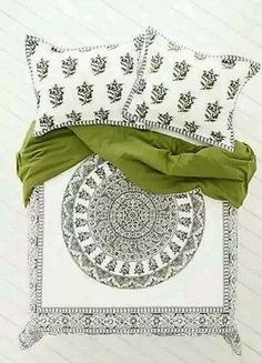 Urban Outfitters Magical Thinking Green Temple Medallion twin XL Duvet 66 x 90