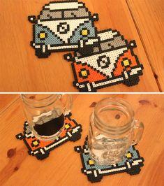 hama beads Como fazer porta-copos com Ham - beading Perler Bead Designs, Perler Bead Templates, Hama Beads Design, Pearler Bead Patterns, Hama Beads Coasters, Diy Perler Beads, Perler Bead Art, Pearler Beads, Hama Coaster