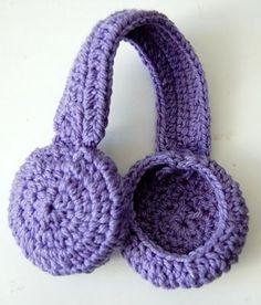 Ear warmers - free crochet pattern by Veronica Gonçalves da Silva