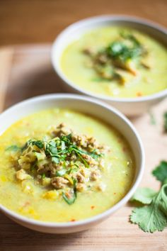 Creamy Curry Meat soup is a hardy soup made with ground meat, leeks, onions, half&half, orange juice, curry powder, and chill flakes! Perfect for a cold night.