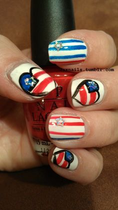USA Nails! I wish I had a steady enough hand to do this...