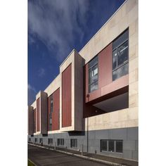VIVIX by Formica Group exterior façade panels have been used for the external wall cladding of St. James's hospital in Dublin.