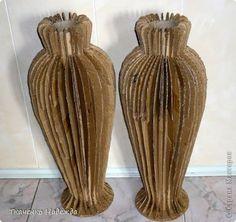 Vasos de chão feito de papelão.