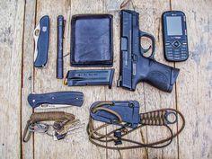 thatonegunblog:  EDC Minus back-up gun.