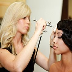 Airbrush Makeup Tips and Ideas to Obtain a Ravishing Look