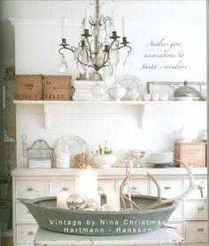 My Shabby Streamside Studio: Vintage By Nina Christmas Book Review