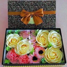 Flowerbox z kwiatów mydlanych Smartphone, Cosmetics