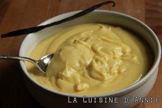 Crème pâtissière classique - testée et approuvée - 4 jaunes d'oeufs, vanille, 60gr de farine - 100gr de sucre - 1/2 l de lait - 1 pincée de sel