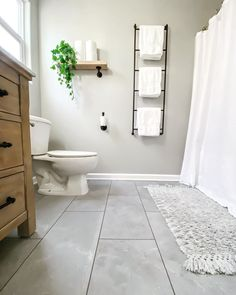 Bathroom organization ideas for towels! ✨ Tap the image to shop bathroom storage shelves. 📷: thismamalovesdecor Mug Storage, Bathroom Storage Shelves, Bench With Storage, Wall Storage, Bathroom Organization, Organization Ideas, Bathroom Ideas, Towels, Towel Boy