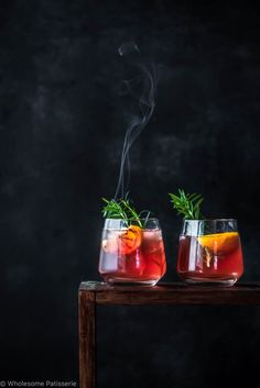 This Grilled Lemon Gin Kombucha Fizz recipe is featured in the Fall and Winter Cocktails feed along with many more. Gin Fizz, Cocktail Photography, Dark Food Photography, Kombucha Cocktail, Cocktail Drinks, Smoked Cocktails, Smothie, Raspberry Lemonade, Gin And Tonic