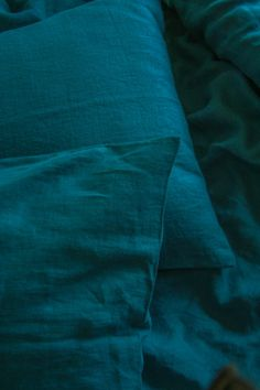 Amazing blue/green sea ( dark teal) color in your bedroom will make it look so special and luxurious. Made of natural linen that is specially softened to make your sleeping experience super comfortable and unique. This dark teal duvet cover will be an investment for life, as we use the
