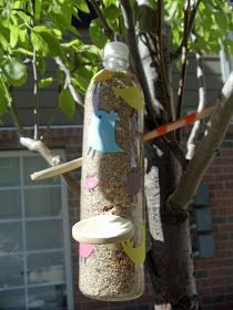 HECK FRIDAYS: Recycled Bird Feeder