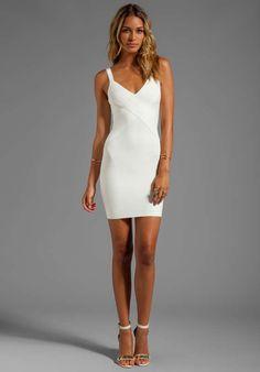 Vestidos de coctel color blanco moda 2013  http://vestidoparafiesta.com/vestidos-de-coctel-color-blanco-moda-2013/