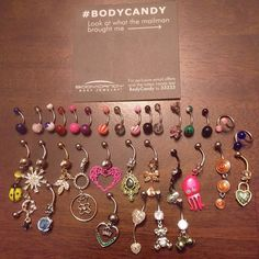 A BUNCH OF BELLY RINGS!!! Belly Button Piercing Jewelry, Bellybutton Piercings, Cute Piercings, Piercing Ring, Body Piercings, Tongue Piercings, Piercing Ideas, Cute Belly Rings, Belly Button Rings
