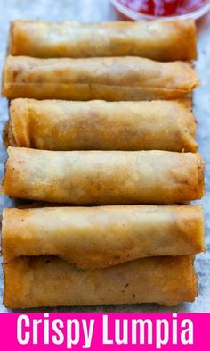 (Filipino Spring Rolls) Lumpia are Filipino fried spring rolls filled with ground pork and mixed vegetables. This lumpia recipe is authentic and yields the crispiest lumpia ever Egg Roll Recipes, Pork Recipes, Asian Recipes, Cooking Recipes, Easy Filipino Recipes, Oxtail Recipes, Pork Spring Rolls, Fried Spring Rolls, Gastronomia