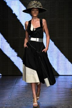 Donna Karan - Spring 2015 Ready-to-Wear - Look 17 of 45