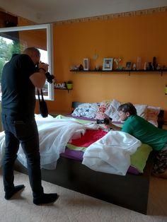 Ne aggódj,hogy nem egy csodálatos szállodában készülődsz! Nézd meg Barbiék filmjét! Nem gondoltad volna, hogy itt készült, ugye? #esküvőivideó #esküvőifilm #tucanproject Bed, Furniture, Home Decor, Homemade Home Decor, Stream Bed, Home Furnishings, Interior Design, Beds, Home Interiors