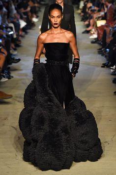 Coleção // Givenchy, Nova York, Verão 2016 RTW // Foto 34 // Desfiles // FFW
