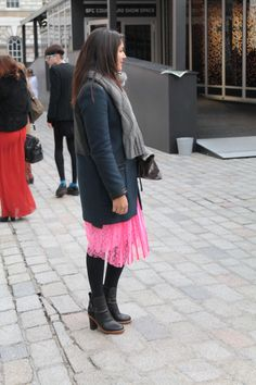 A great example of how to wear neon now
