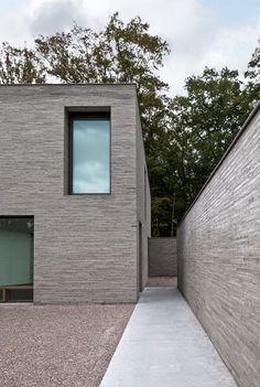 VM Residence by Vincent Van Duysen Brick Architecture, Minimalist Architecture, Contemporary Architecture, Architecture Details, Small Buildings, Modern Buildings, Villa, Brick Detail, Stone Facade
