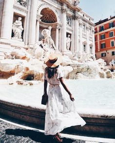 Maxi dress outfit in Italy