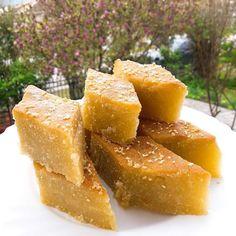 Greek Sweets, Greek Recipes, Cake Pops, Food Styling, Cornbread, Cantaloupe, Fruit, Ethnic Recipes, Desserts