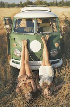 photoshoot Vintage Photoshoot Beach Ideas For 2019 Volkswagen Transporter, Volkswagen Bus, Vw T1, Vw Camper, Van Life, Shooting Photo Vintage, Combi Ww, Van Vw, Kdf Wagen