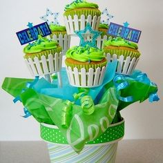 Custom Cupcake Bouquets Made Easy  via instructables
