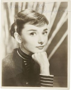 A collector stands to make a tidy profit after discovering a rare stamp portraying movie star Audrey Hepburn smoking - one of a series that. British Actresses, Actors & Actresses, Audrey Hepburn Smoking, Sabrina 1954, Academy Award Winners, My Fair Lady, Classic Films, Celebs, Celebrities
