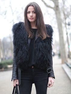 Γυναικείο γούνινο γιλέκο κοντό Γούνα: black tibet moggolian Τιμή: 200€