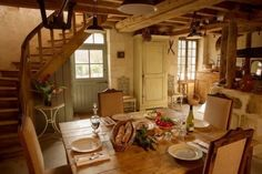 Small Cottage Interiors, English Cottage Interiors, Cottage Dining Rooms, Cottage Living, Cottage Homes, English Cottage Kitchens, Cozy Cottage, Cosy Dining Room, Lakeside Cottage