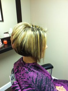 Angled Bob Hairstyles for Blonde Hair using Short Hair Style