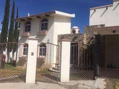 Casa en venta Fracc. Gran Jardin, León, Guanajuato, México $3,600,000 MXN | MX17-DJ5529