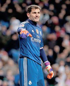 Iker Casillas of Real Madrid reacts during the La Liga match between Real Madrid CF and Sevilla FC at Estadio Santiago Bernabéu on February 2015 in Madrid, Spain. Steven Gerrard, Premier League, Real Madrid Team, Equipe Real Madrid, Football Wallpaper, Gal Gadot, Goalkeeper, World Cup, Sports