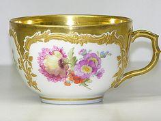 ** Šálek na čaj - malovaný, zlacený porcelán **