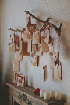 DIY: un calendrier de l'Avent nature Christmas Favors, Christmas Gift Decorations, Homemade Christmas, Holiday Crafts, Christmas Sewing, Christmas Projects, Kids Christmas, Advent Calenders, Diy Advent Calendar