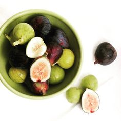 Enjoying figs today. Figs contain many vital minerals and vitamins like vitamin A, B1, B2, Figs are also rich in a variety of antioxidants and omega fatty acids. Good for the skin and body.  #goodfood #healthylife  #fig #fruit #aveseena #clean #safe #nontoxic #hfree #skincare #organic #natural #beautywithconcience #noanimaltesting #crueltyfree #safeskincare #safecosmetics #cleancosmetics #greenbeauty #chemicalfree #noparabens #beauty