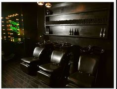 Pumps and Pin Ups Salon blends the modern clean lines with vintage Hollywood glam feel.  Great job!